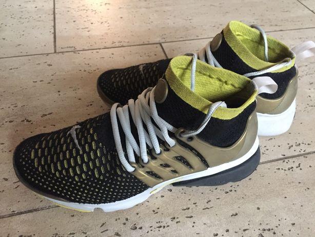 Obuwie sportowe Nike r.40