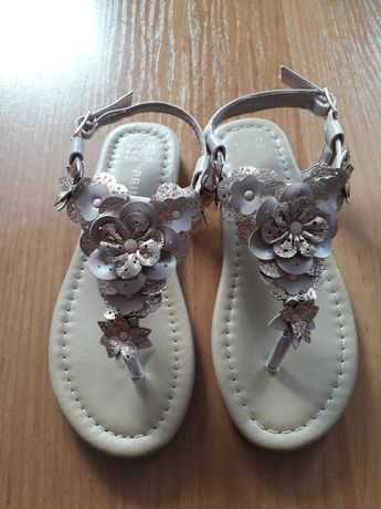 Sandałki japonki  29