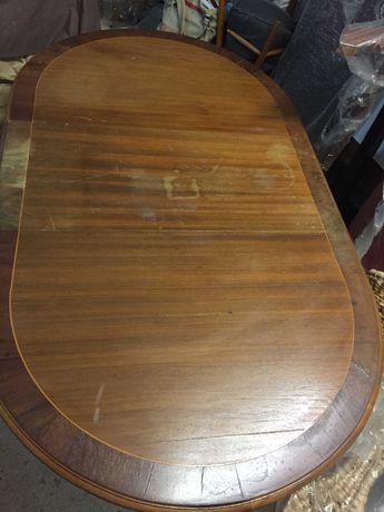 Vendo mesa madeira maçiça estilo inglês. Oval com abas dobráveis. 75€