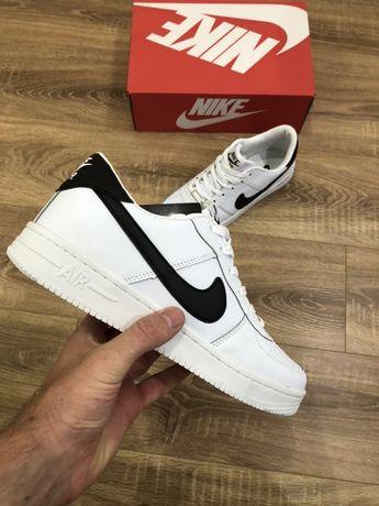 Кроссовки  Nike Air Force 1 low ( белые и черные)