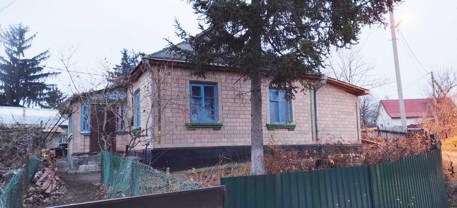 Будинок з присадибною ділянкою місто Тальне