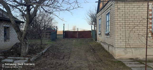 Продам дом в селе Гуровка
