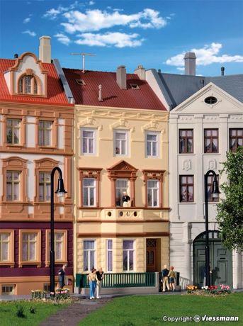 Kibri 39101 H0 Kamienica dwupiętrowa z balkonem