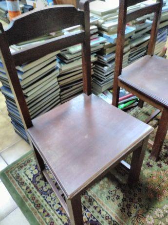Cadeiras clássicas em modernas e antigas
