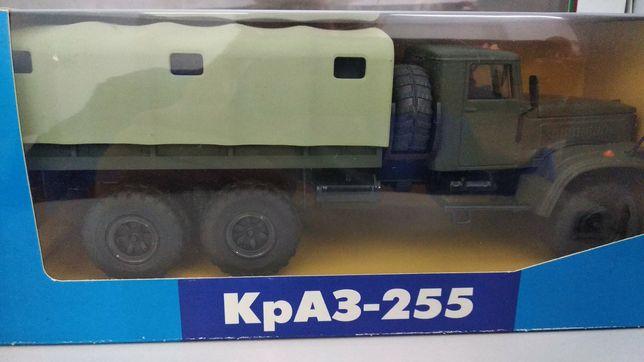 КрАЗ-255 (Саратов, 1/43)