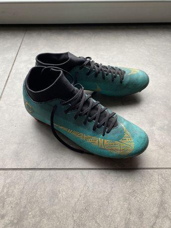 Nike pilkarskie korki ze skarpeta,super na jesień,na treningi