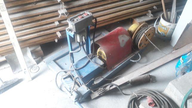 Dźwig budowlany dekarski podnośnik wciągarka winda zwyżka wyciąg