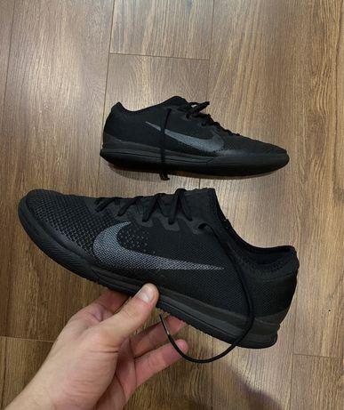 Футзалки/сороконожки Nike Mercurial