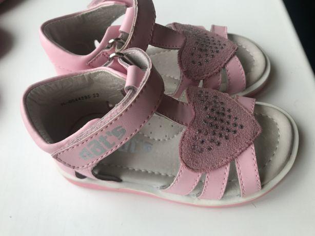 детские сандали (босоножки) Nats почти новые кожаные