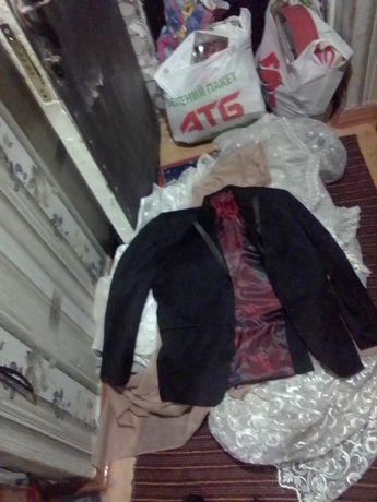 продам костюм (пиджак и брюки)