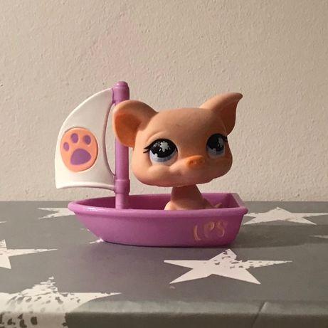 Littles Pet Shop świnka w żaglowce