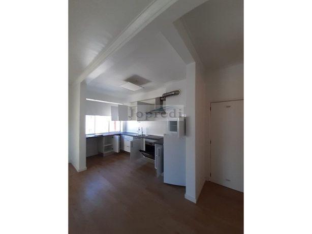 Apartamento T3na Quinta das Palmeiras/Oeiras