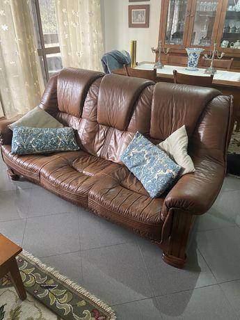 Sofa de Pele de 3 lugares + 2 Poltronas em Pele
