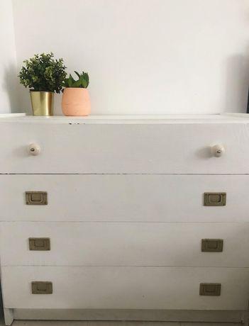 Conjunto de Cómoda e mesa de cabeceira - Vintage!