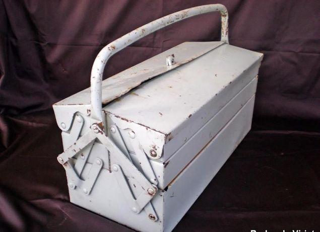 Caixa metálica de ferramentas Sarierep antiga metal vintage