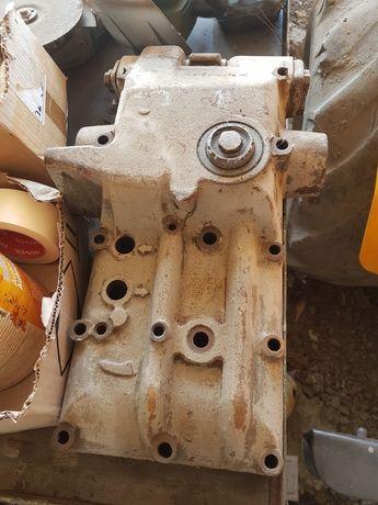 Obudowa podnosnika wspornik ursus c360
