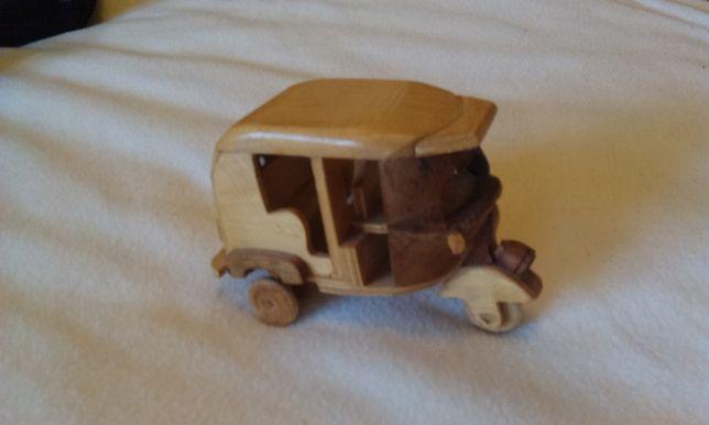 Tuk Tuk drewniany model
