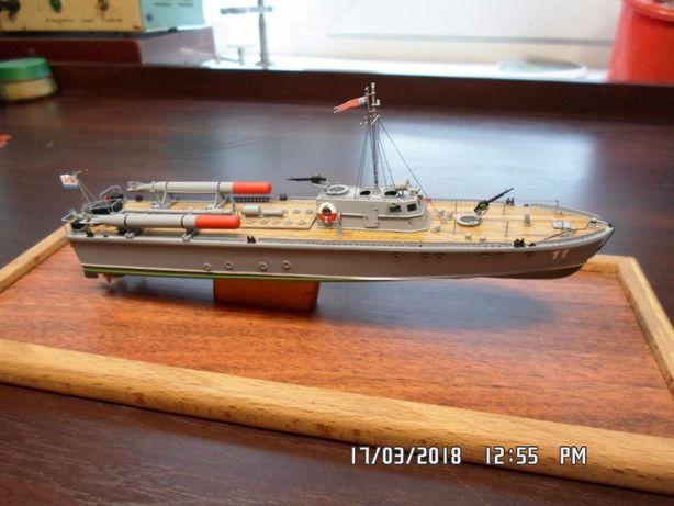 """Модель торпедного катера типа """"Д-3""""."""