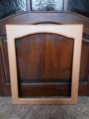 Двери к кухонному шкафчику с вырезом под стекло,новые, 71,6 х 61,3см.