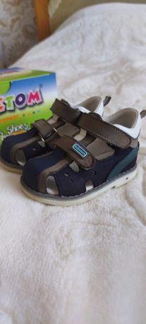 Детская обувь босоножки Bebetom с каблуком Томаса 19р.