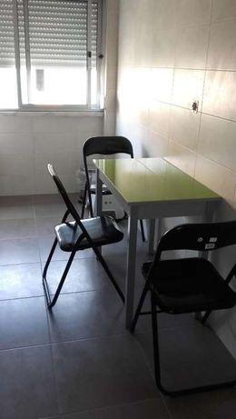 mesa cozinha/secretária/multi-usos tampo vidro verde NOVA