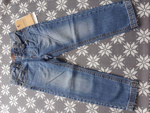 Fajne jeansy firmy Mayoral na 104 cm