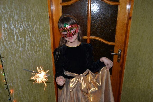 красивое нарядное новогоднее платье!