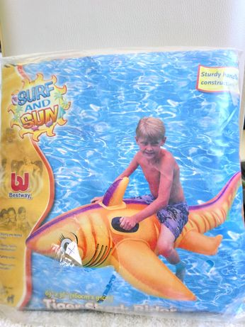 Надувная игрушка,акула.Bestway