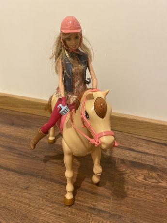Barbie lalka koń Tawny CMP27 dżokejka chodzący konik firmy Mattel