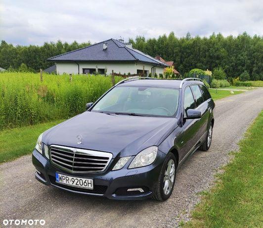 Mercedes-Benz Klasa E Sprzedam Mercedes Benz 104 tyś,2010 zadbany, pełna dok. salon Polska