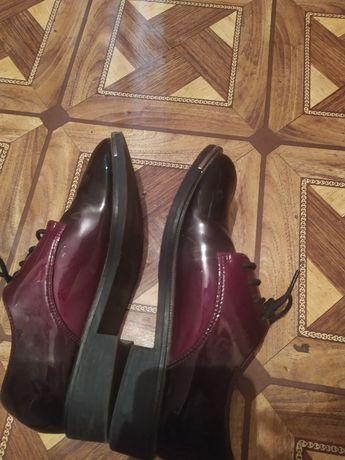 Продаю женски туфли размер 38