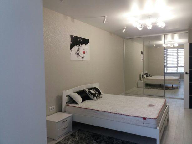 Оренда 1-кімнатної квартири з шикарним дизайнерським ремонтом Заріччя