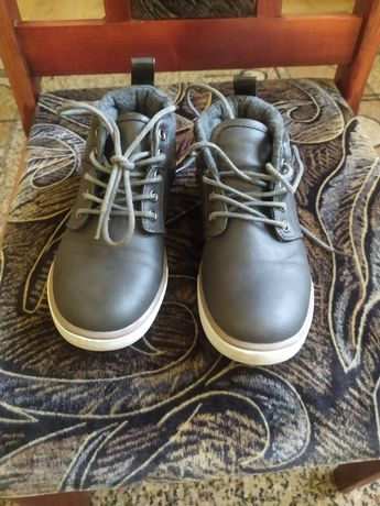 Стильні черевики для хлопчика