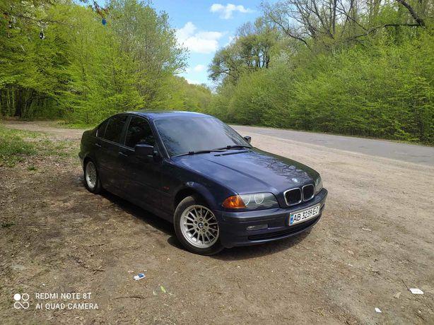 Продам BMW 318 i