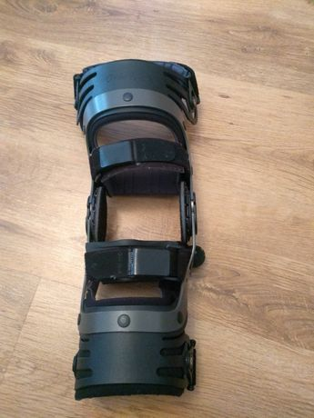 Orteza stawu kolanowego Ottobock Genu Arexa donjoy kolana prawa noga