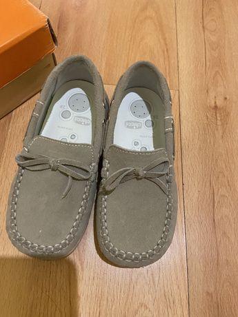 Макасіни туфельки