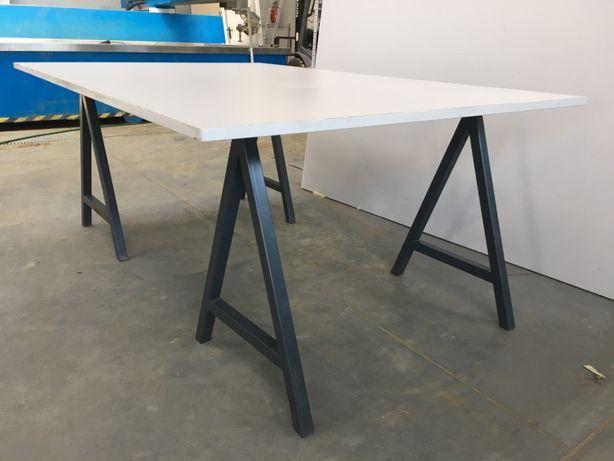 Kompletny stół 204,5cm x 135,5 cm
