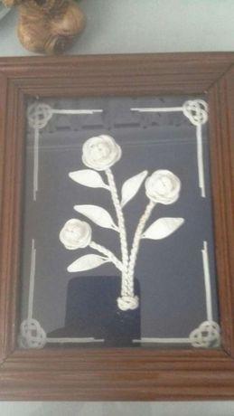 Quadros com flores feitas em arte de marinheiro