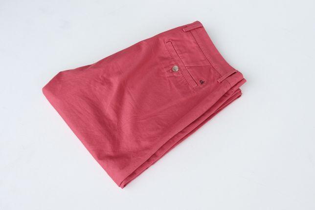Męskie spodnie chinosy Calvin Klein W34 L34 w idealnym stanie