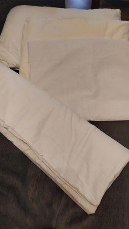 Одеяло и подушка в кроватку