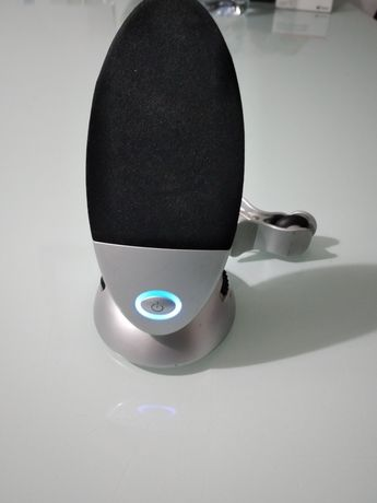 Colona pequena portátil para ligar ao telemóvel ou ao radio do carro