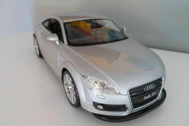 samochód zdalnie sterowany Audi TT światła, drzwi na radio, mikołaj