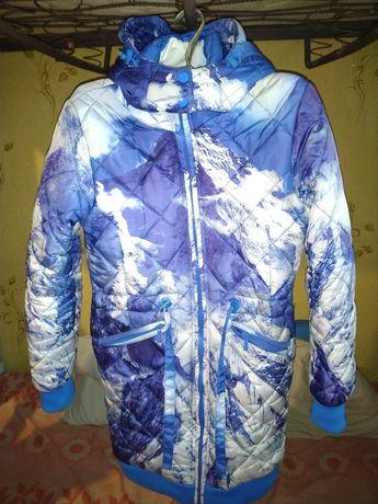 Полу пальто женское в очень хорошем состоянии