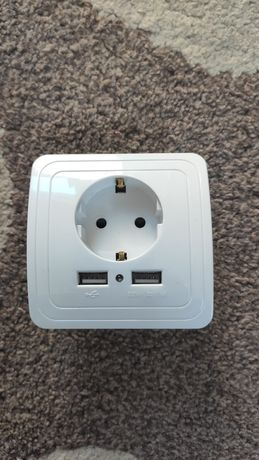 Электрическая розетка с USB