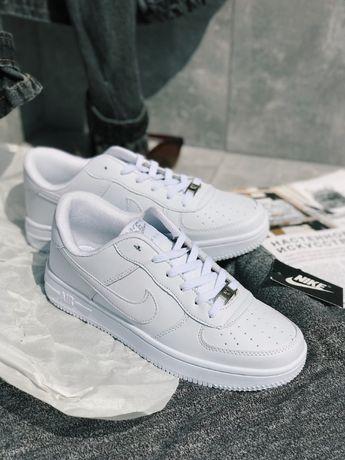 Супер Кроссовки черные высокие Найк Аир Форс белые Nike Air Force