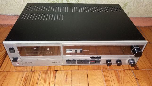 Продам стерео магнитофон кассетный Маяк М 240 С-1