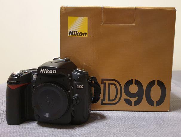 Nikon d90 - bardzo ładny egzemplarz