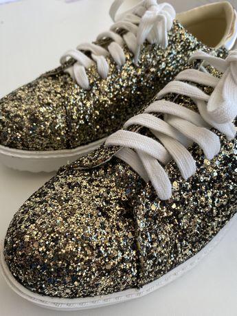 Взуття/Кеди/Кросівки