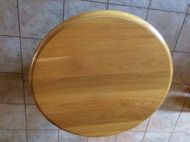 Mesa de sala em madeira de carvalho