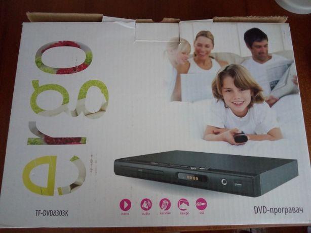 Відеоплеєр DVD-диски та USB-флешки